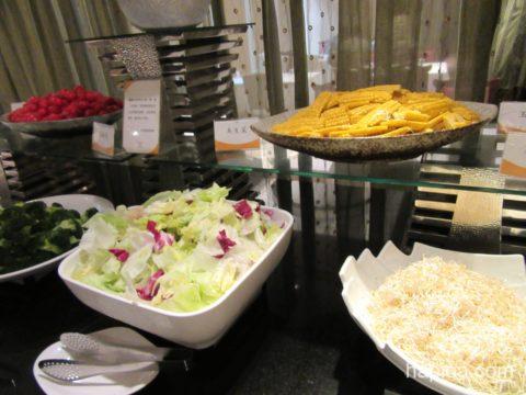 欣葉ビュッフェのサラダ